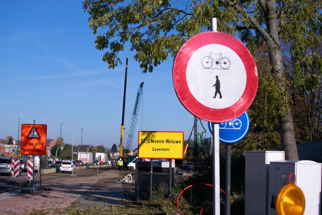 Les travaux au croisement du boulevard de la Woluwe et la chaussée de Louvain durent depuis bientôt cinq ans
