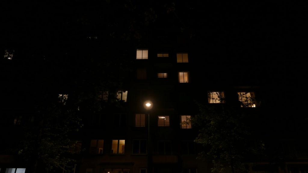 Fenêtres d'un appartement éclairées