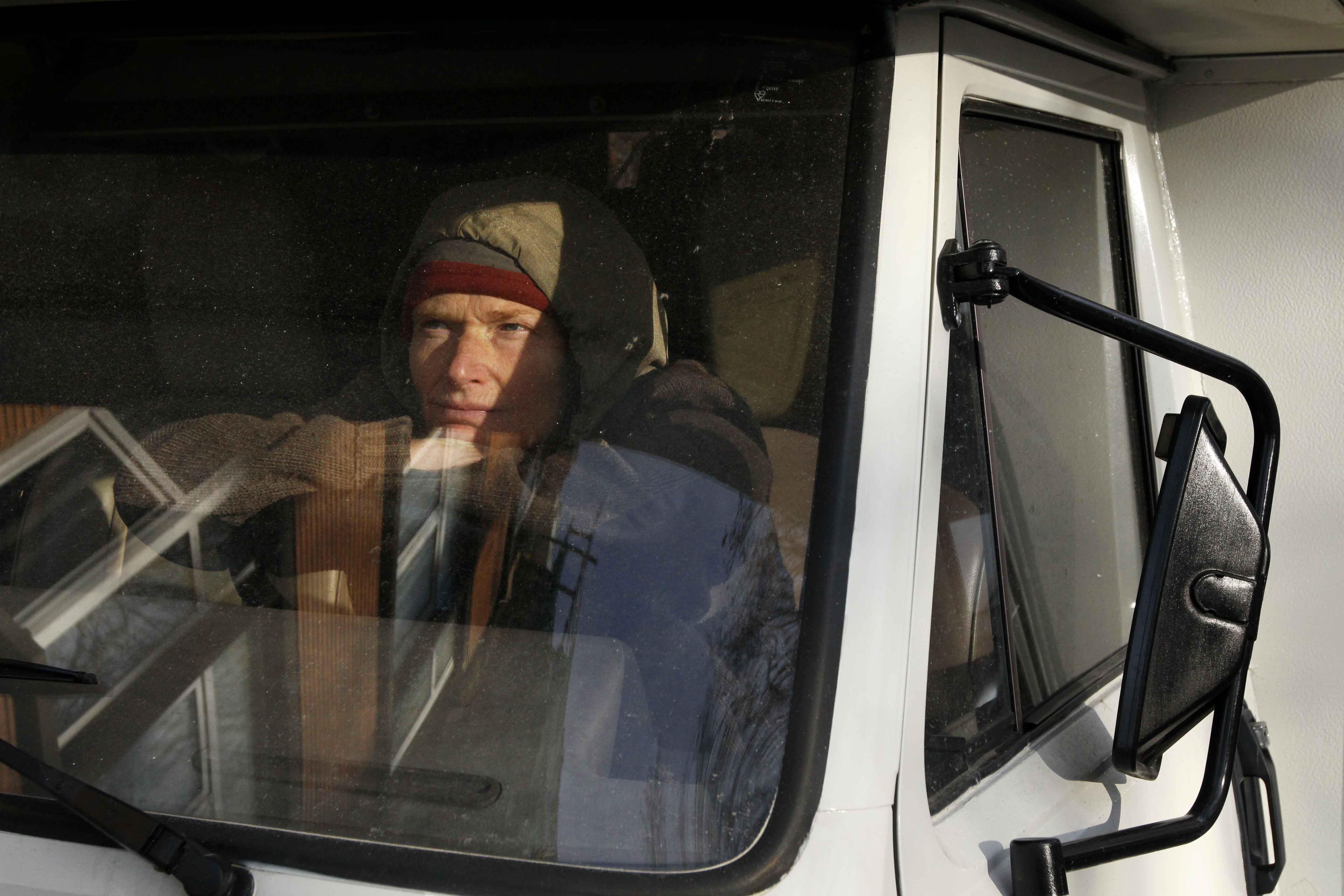 Kristien dans son camping car, bien décidée à prendre la route.
