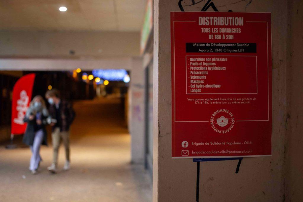 Affiche d'information pour les distributions de nourriture et biens