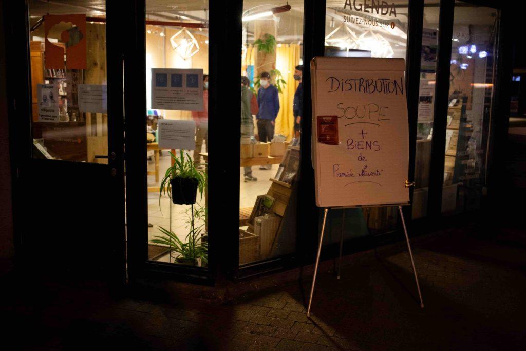 Lieu de distribution de soupe et biens à Louvain-la-Neuve